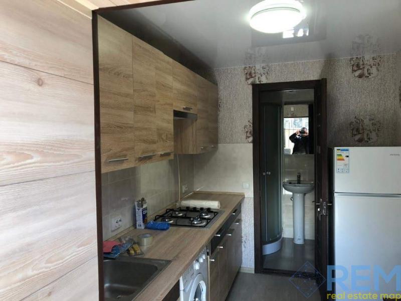 продажа однокомнатной квартиры номер A-136025 в Приморском районе, фото номер 4